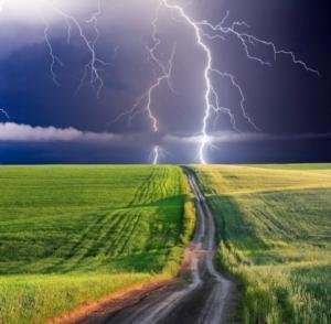 maltempo-temporale-fulmini-lampi-tuoni-pioggia-leonid-tit-fotolia-750