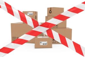 pacchi-pacco-imballaggi-nastro-bianco-rosso-pericolo-by-fredex-fotolia-750.jpeg