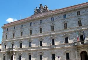 palazzo-governo-ascoli-piceno-by-markusmark-wikipedia