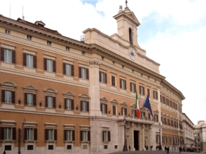 palazzo-montecitorio-by-manfred-heyde-wikipedia-jpg
