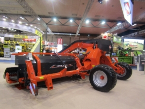 ranghinatore-a-tappeto-merge-max-950-kuhn-agritechnica-2017
