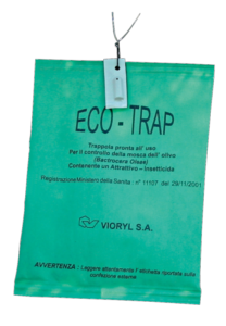 "Eco-Trap, trappole ""Attract and kill"" contro la mosca dell'olivo"
