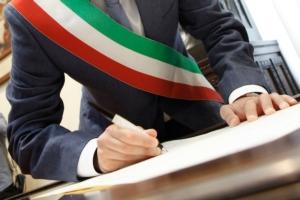 sindaco-fascia-tricolore-by-alex-pin-adobe-stock-750x500