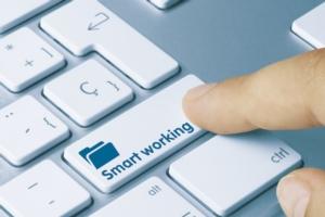 smart-working-tastiera-pc-by-momius-adobe-stock-750x500