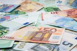 soldi-euro-banconote-by-oleh11-ad-750x497
