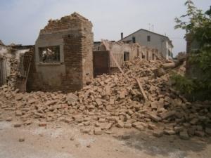 terremoto-emilia-casa-distrutta