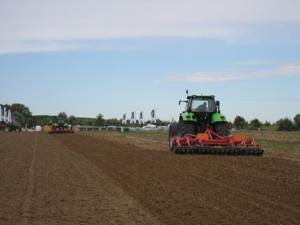 trattore-campo-agricoltura-precisione