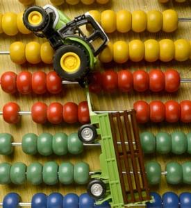 trattore-giocattolo-pallottoliere-macchine-agricole-by-comugnero-silvana-fotolia-750