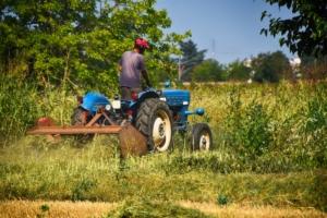trinciatrice-trinciatrici-macchine-agricole-by-gianniarmano-adobe-stock-750x500
