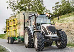 valtra-serie-a4-red-dot-2018