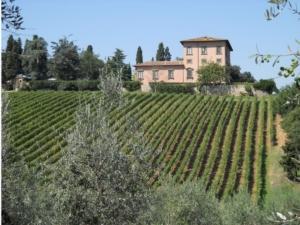 villa-mangiacana-san-casciano-by-cruccone-wikipedia-jpg