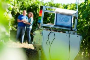 Robot in campo, gli agricoltori come controllori di volo