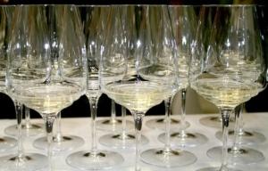 vini-bianchi-vino-bicchieri-vinitaly-byilcs-750x-480