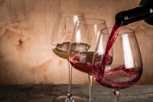vino-bicchieri-rosso-rosato-bianco-by-anaumenko-fotolia-750