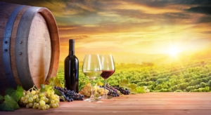 vino-bottiglia-bicchieri-botte-vigneto-tramonto-by-romolo-tavani-adobe-stock-750x409