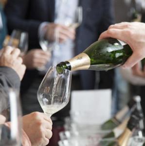 vino-bottiglia-fiera-eventi-fonte-merano-winefestival