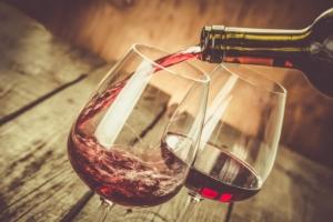 vino-rosso-bicchieri-by-anaumenko-fotolia-750