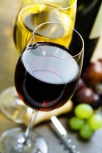 vino-vini-bicchiere-rosso-bianco-natalia-klenova-fotolia-750